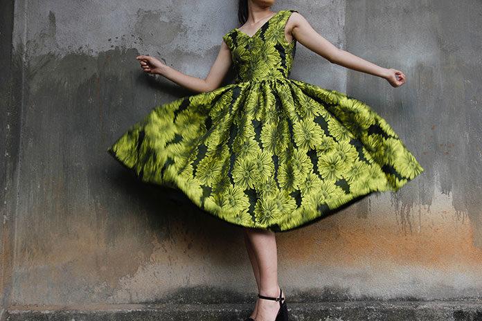 Sukienka rozkloszowana – fason na każdą okazję?