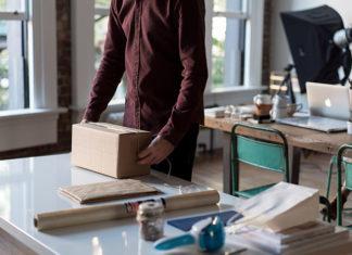 Dobierz sposób wysyłki do rodzaju paczki: wysyłka kurierem czy paczkomat?