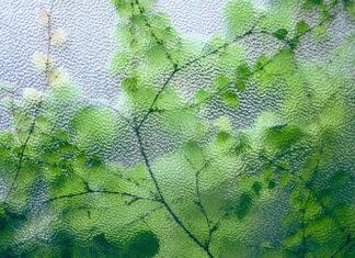 Dlaczego warto zdecydować się na ściany szklane